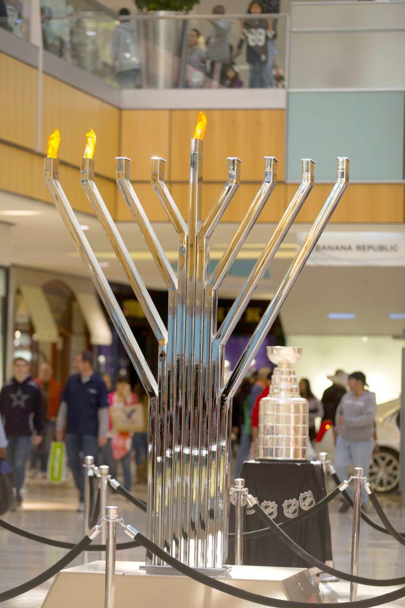 chanukah menorah lighting at galleria dallas galleria dallas