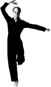 Merce dancing