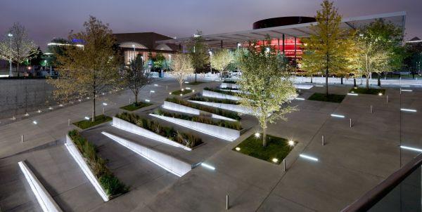 medium plaza