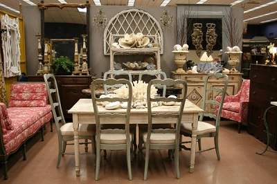 Photo by Doug Stanley and Krista Luter Courtesy of The Fort Worth Show of Antiques and Art