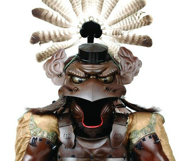 armor-with-the-features-of-a-tengu-Closeup