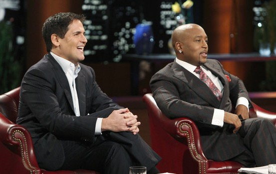 Mark Cuban and Damon Dash on the set of Shark Tank (Photo: ABC)