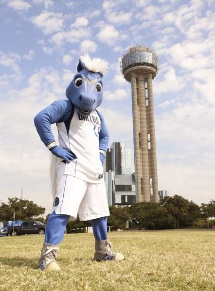 Say hi to some special guests at Reunion Tower's Lawn Party. (Photo: Reunion Tower)
