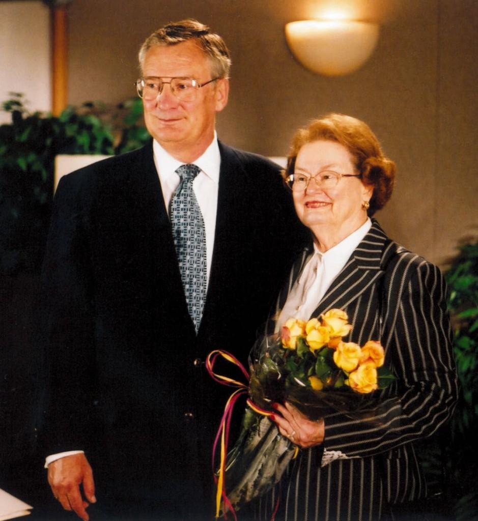 Bill and Margot Winspear at gift announcement 2002 Photo courtesy ATT
