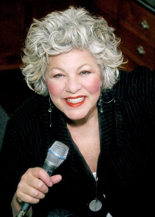 Judy croons at Zipper's.