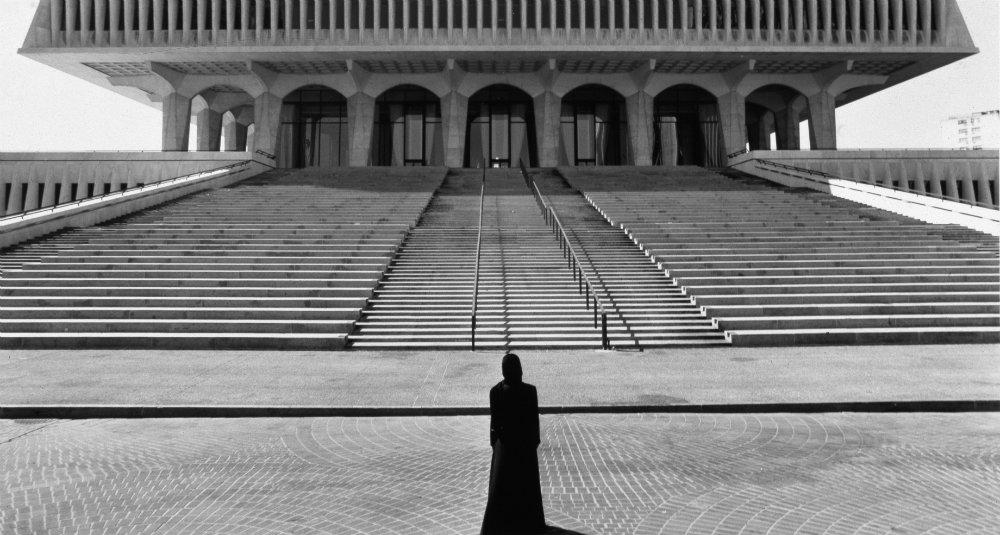 Shirin Neshat, SMALL Soliloquy_2000