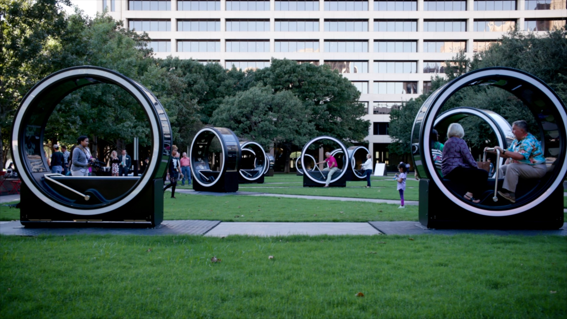 'Loop' at Burnett Park in Downtown Fort Worth, Photo: Downtown Fort Worth, Inc.
