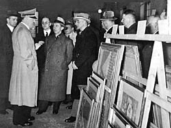 Adolf Hitler inspecting stolen art, photo from US National Archives
