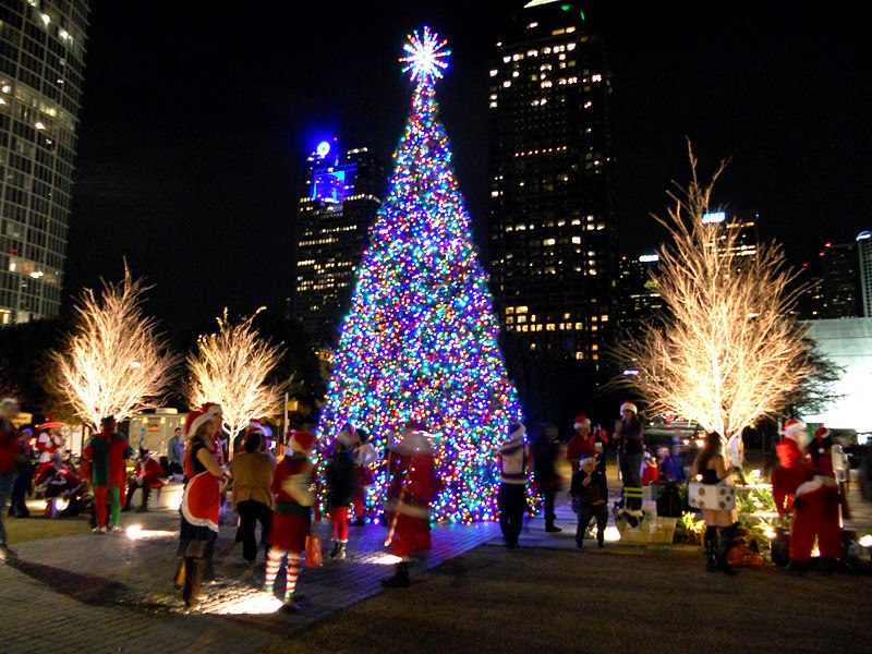 All will be merry and bright in the Arts District this Saturday night. Photo: Klyde Warren Park