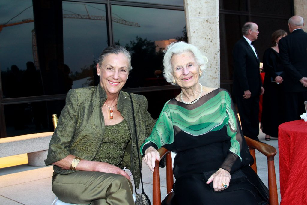 Alice Walton (l) and Ruth Carter Stevenson. Photo: Sharon Corcoran