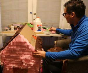 Giovanni Valderas crafting his pinatas. Photo: Hady Mawajdeh