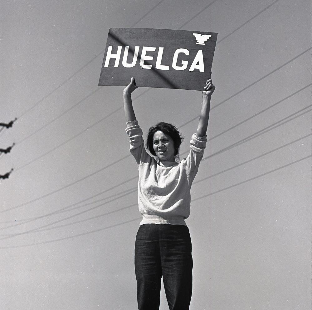Dolores Huerta during a grape strike. Delano, California, Sept. 24, 1965. Photo: Harvey Wilson Richards. Harvy Richards Media Archive