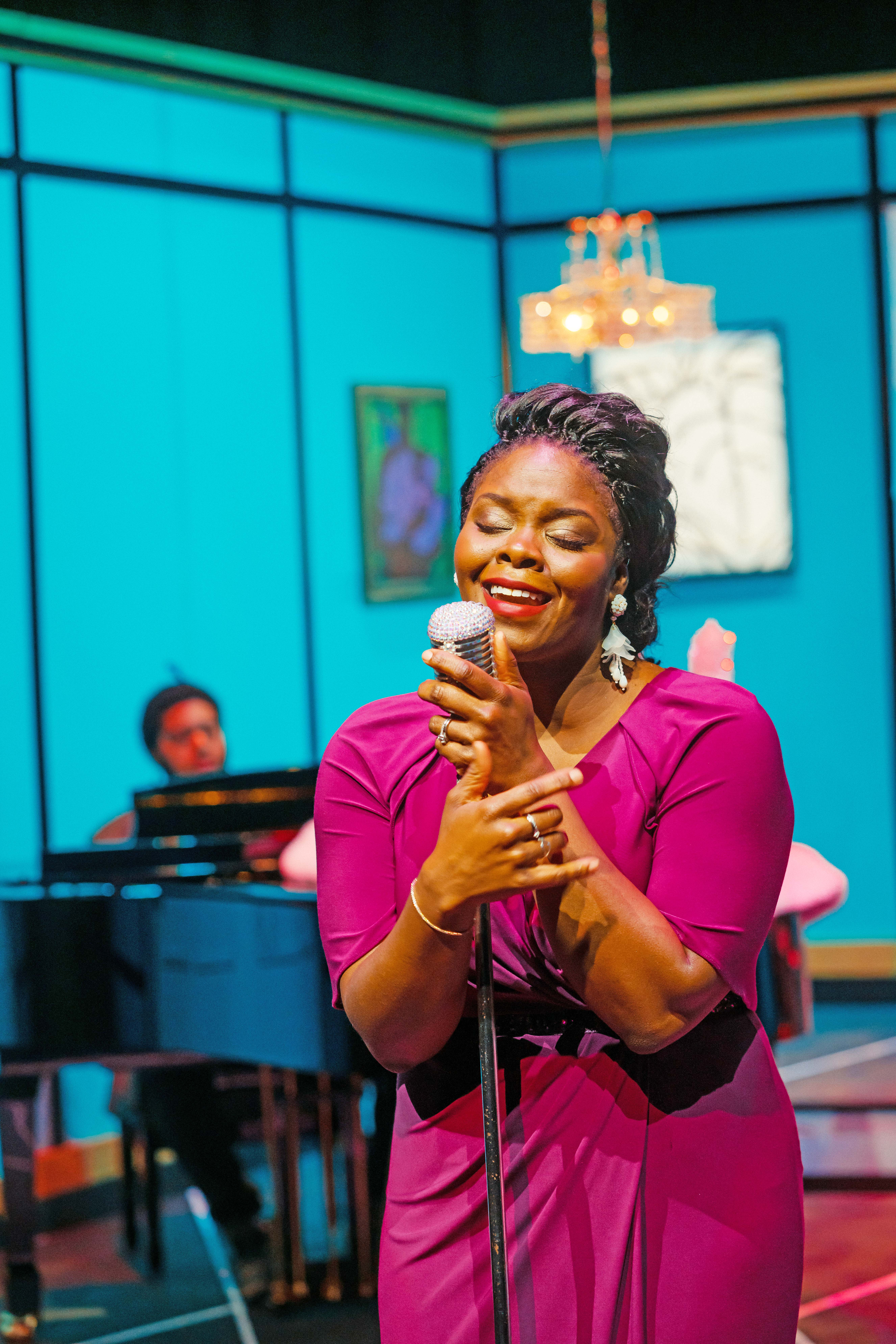 North Texas performer Feleceia Wilson songs off of Ella Fitzgerald's holiday album.